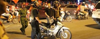 CSCĐ được trang bị súng, tuần tra xuyên đêm để đảm bảo an ninh sau trận chung kết Việt Nam - Malaysia