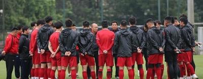 HLV Park Hang-seo gọi thêm 6 cầu thủ lên tuyển Việt Nam chuẩn bị cho Asian Cup