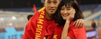 Ngỡ ngàng cảnh bạn gái tiền vệ Huy Hùng ĐT Việt Nam bị bắt vì gian lận
