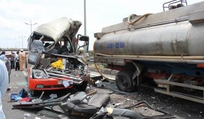 Tai nạn thảm khốc ở cao tốc Trung Lương: Lái xe nghe điện thoại?