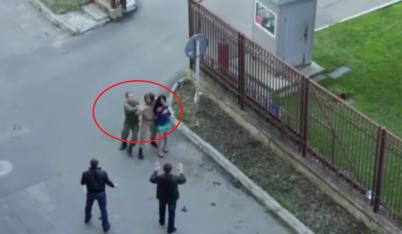 Binh sĩ Nga tước súng của diễn viên đang đóng phim vì tưởng tội phạm