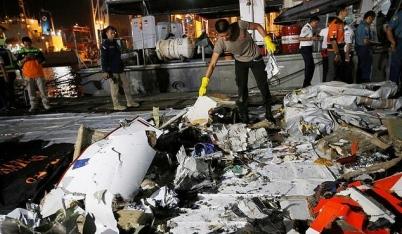 Mới nhất vụ rơi máy bay ở Indonesia 189 người mất tích: Nghi vấn bị đánh bom