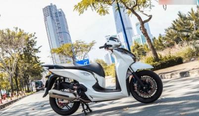 Honda SH300i làm cả giới chơi xe điên đảo vì dàn chân khủng long