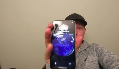 Tận thấy khả năng trâu bò của iPhone: Ngâm mình nửa năm dưới hồ mà vẫn sống
