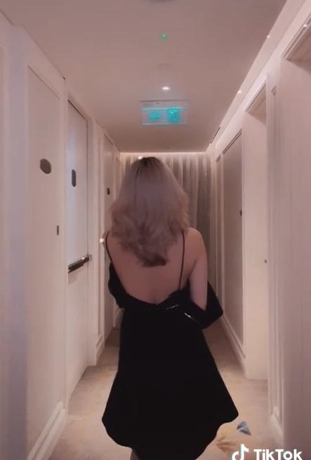 Hotgirl TikTok 17 tuổi Lê Thị Khánh Huyền lộ ảnh trong khách sạn với chiếc váy hờ hững 2