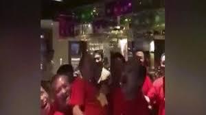 Video: Bầu Đức được tung lên cao khi Việt Nam giành cúp vàng lịch sử