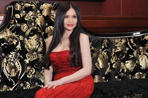 Nữ đại gia Hà Tĩnh tiết lộ giấc mơ showbiz sau đám cưới triệu USD