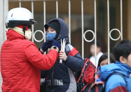 Hà Nội: Trời rét học sinh không phải mặc đồng phục