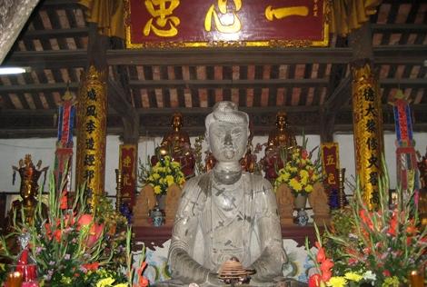 Hàng nghìn du khách về chùa Phật Tích du Xuân 2014