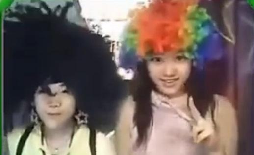 Lộ clip hot girl Hari Won cùng em gái 10 năm trước