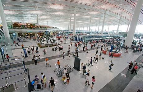 Bị bắt do tuyên bố mang bom tại sân bay Bắc Kinh