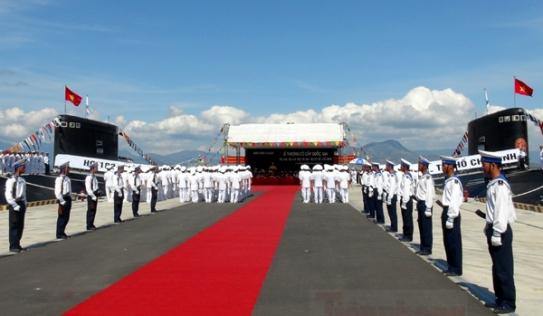 Cận cảnh lễ thượng cờ cấp quốc gia tàu ngầm Kilo HQ-182 và HQ-183