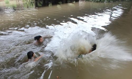 3 học sinh thiệt mạng do chìm xuồng