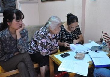 """Phó ban GPMB Thanh Trì: """"Làm văn bản trong phòng lạnh, đứng trên giời"""""""