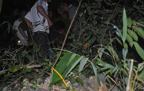 Chồng bỏ trốn vào rừng sâu tự tử sau khi chém chết vợ