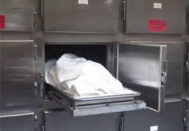Phát hiện cụ bà 70 tuổi còn sống trong tủ ướp xác
