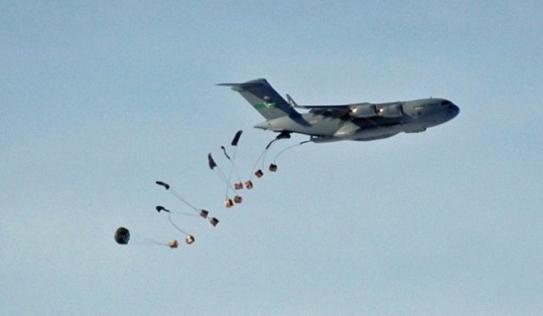 Phi công Iraq tiếp tế nhầm lương thực, đạn dược cho quân ISIS