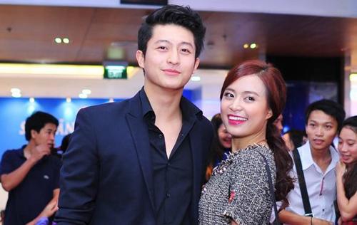 Hoàng Thùy Linh và bạn trai tin đồn dính như sam trong sự kiện