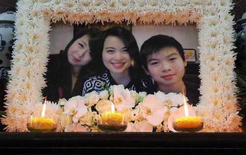 Nghẹn lòng giây phút tiễn đưa 3 mẹ con tử nạn MH17