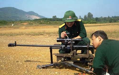 Clip: Uy lực súng bắn tỉa hạng nặng do Việt Nam sản xuất
