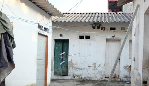 Hà Nội: Đôi nam nữ ôm nhau chết trong phòng trọ