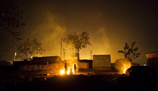 Nơi người dân chết mòn vì sống trên đống lửa suốt một thế kỷ
