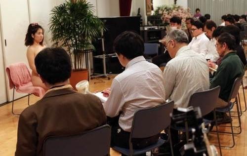 Vì sao tỷ lệ đàn ông Nhật Bản cao tuổi, còn trinh ngày càng tăng ?