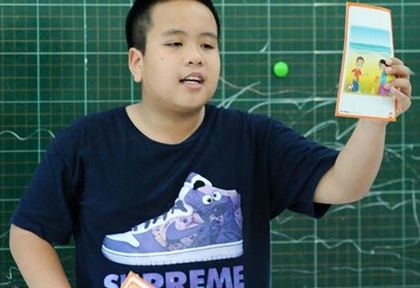 'Soi' lớp dạy hè của 'thầy giáo 14 tuổi' Đỗ Nhật Nam