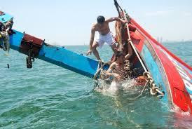 2 giờ lai dắt tàu cá bị hỏng máy và đưa 6 thuyền viên gặp nạn vào bờ