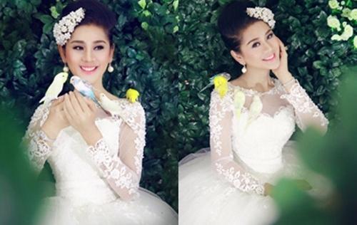 Lâm Chi Khanh bất ngờ đăng ảnh váy cưới