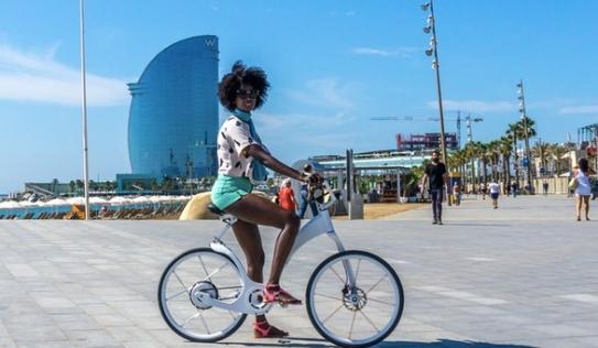Cận cảnh xe đạp thông minh GPS có thể gấp gọn trong 1 giây