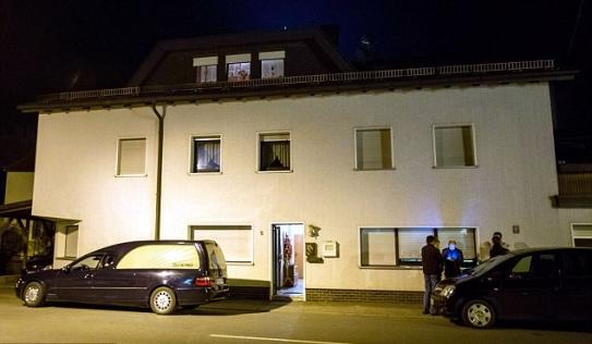 Tám thi thể bé sơ sinh được tìm thấy trong một ngôi nhà ở Đức