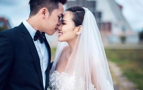 Hoa hậu Diễm Hương khoe ảnh cưới đẹp như mơ