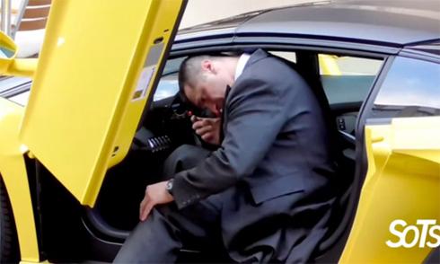 'Ác mộng' của nhân viên khách sạn khi lái siêu xe Lamborghini cho khách