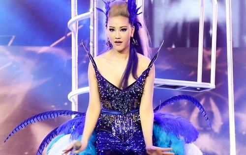 Maya gợi cảm hết cỡ khi thể hiện hit mới của Lưu Thiên Hương