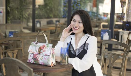 Ngọc Thanh Tâm khoe bộ sưu tập phụ kiện hàng hiệu