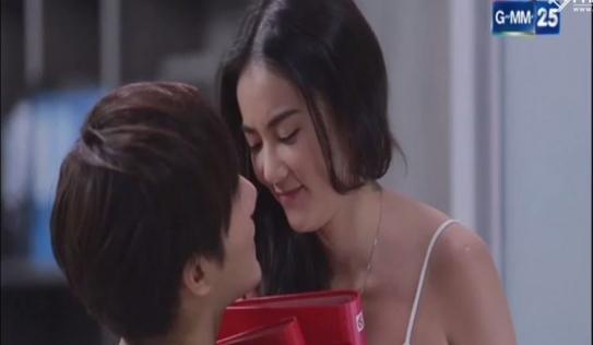 'Tình yêu không có lỗi, lỗi ở bạn thân' phần 2 tập 3: Lee sẩy thai, Nat hôn nhẹ Katun