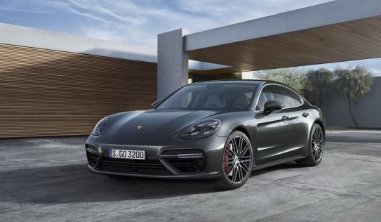 Porsche Panamera 2017 chính thức ra mắt có giá từ 2,8 tỷ