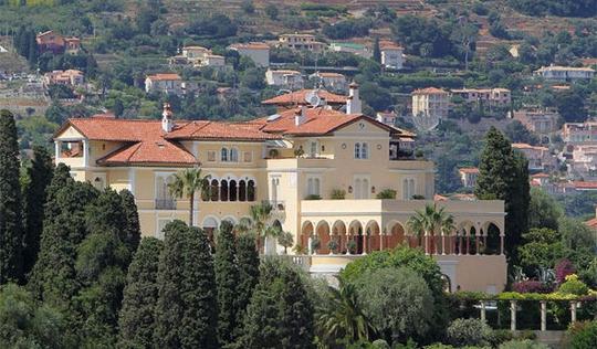 Căn biệt thự Pháp cổ được rao bán 1 tỷ Euro