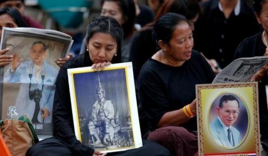 Thái Lan bất định, u buồn khi không còn quốc vương Bhumibol