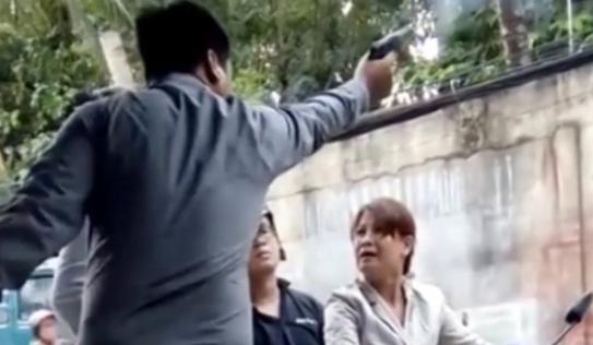 Bắt khẩn cấp giám đốc dùng súng doạ bắn người phụ nữ ở Sài Gòn