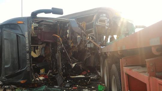 Tai nạn trên cao tốc Long Thành: 'Người văng khỏi chỗ, nằm đè lên nhau'