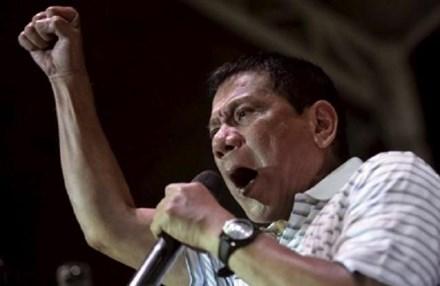 Tổng thống Duterte nói có 'người nhà' tham gia nhóm IS