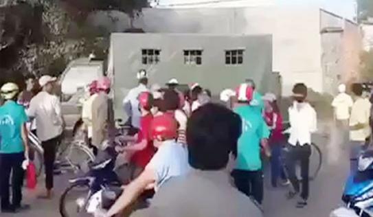 Vụ 50 công nhân đập phá xe CSGT: Triệu tập nhiều đối tượng