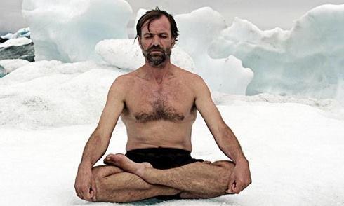 Người đàn ông 'băng' sống sót nhiều giờ trong giá lạnh cực độ