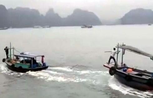 Tin mới vụ 2 tàu gỗ rượt nhau như phim hành động trên vịnh Hạ Long