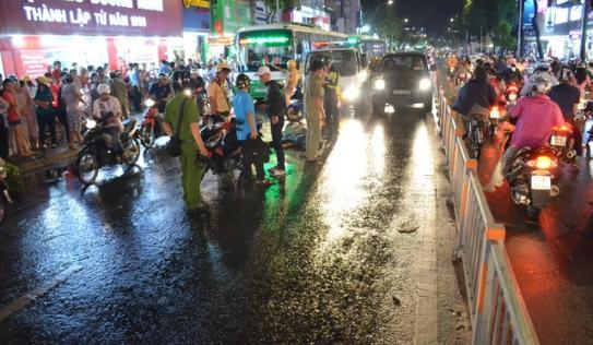 Nam sinh lớp 12 tử vong trong mưa lớn ở Sài Gòn