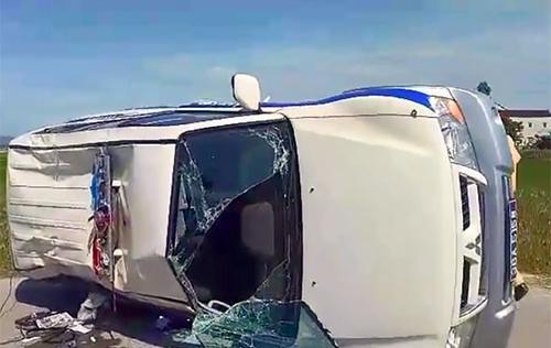 Thông tin mới nhất vụ xe Fortuner hất tung xe CSGT: Lái xe từng bị truy nã