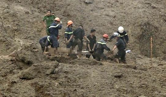 Danh sách 18 nạn nhân bị vùi lấp trong vụ sạt lở nghiêm trọng ở Hòa Bình
