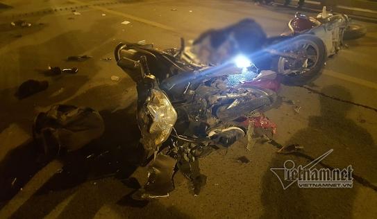 Tai nạn giao thông trên cầu vượt Thái Hà lúc nửa đêm, 3 người thương vong